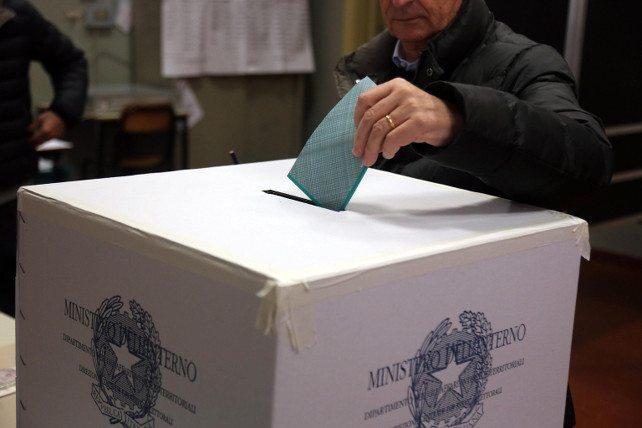 Le elezioni, il referendum e il disimpegno dei cattolici (grave errore)